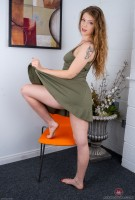 Top rated hairy photoset for Apricot Pitts